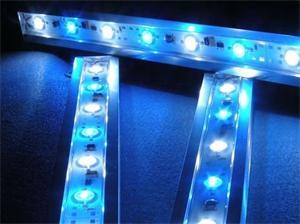 _vyr_389led-vodotesne-osvetleni-pro-akvaria-se-zdrojem-modra-bila-34-cm